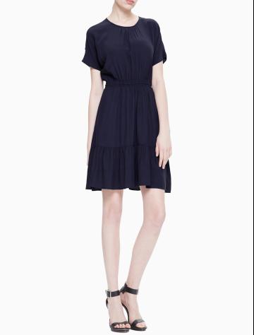 女士新款收腰梭织连衣裙 J211466